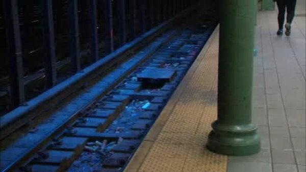Good Samaritans save man on subway tracks
