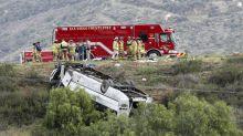 Autobús vuelca en California; hay 3 muertos y 18 heridos