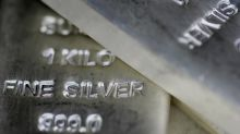 Silver markets dress slowly to the downside on Monday