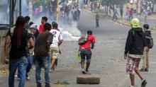 Presidente da Nicarágua decide revogar reforma que gerou protestos violentos