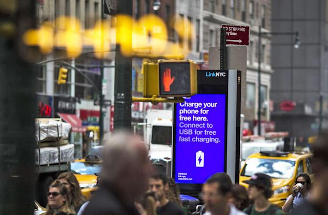 New York City's WiFi kiosks now offer real-time bus arrivals