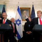 Trump signs decree recognizing Israeli sovereignty over Golan Heights