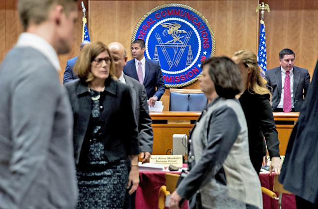 Court blocks FCC from cutting broadband subsidies in tribal lands