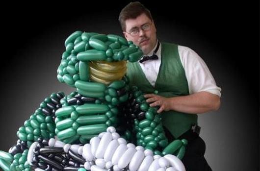 It's a giant Master Chief and Mario made out of ... balloons