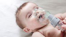¿Sabías que durante los primeros meses los bebés no saben respirar por la boca?
