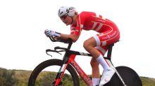 Van der Breggen aprovecha una caída de la campeona Dygert para lograr el oro