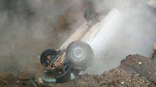 Russia, auto precipita in voragine con acqua bollente: morti ustionati