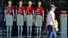 ¿Qué se hace con la ropa que no se vende en rebajas?