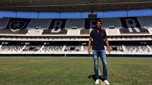 O reencontro: Botafogo encara Bangu de Loco Abreu precisando da vitória