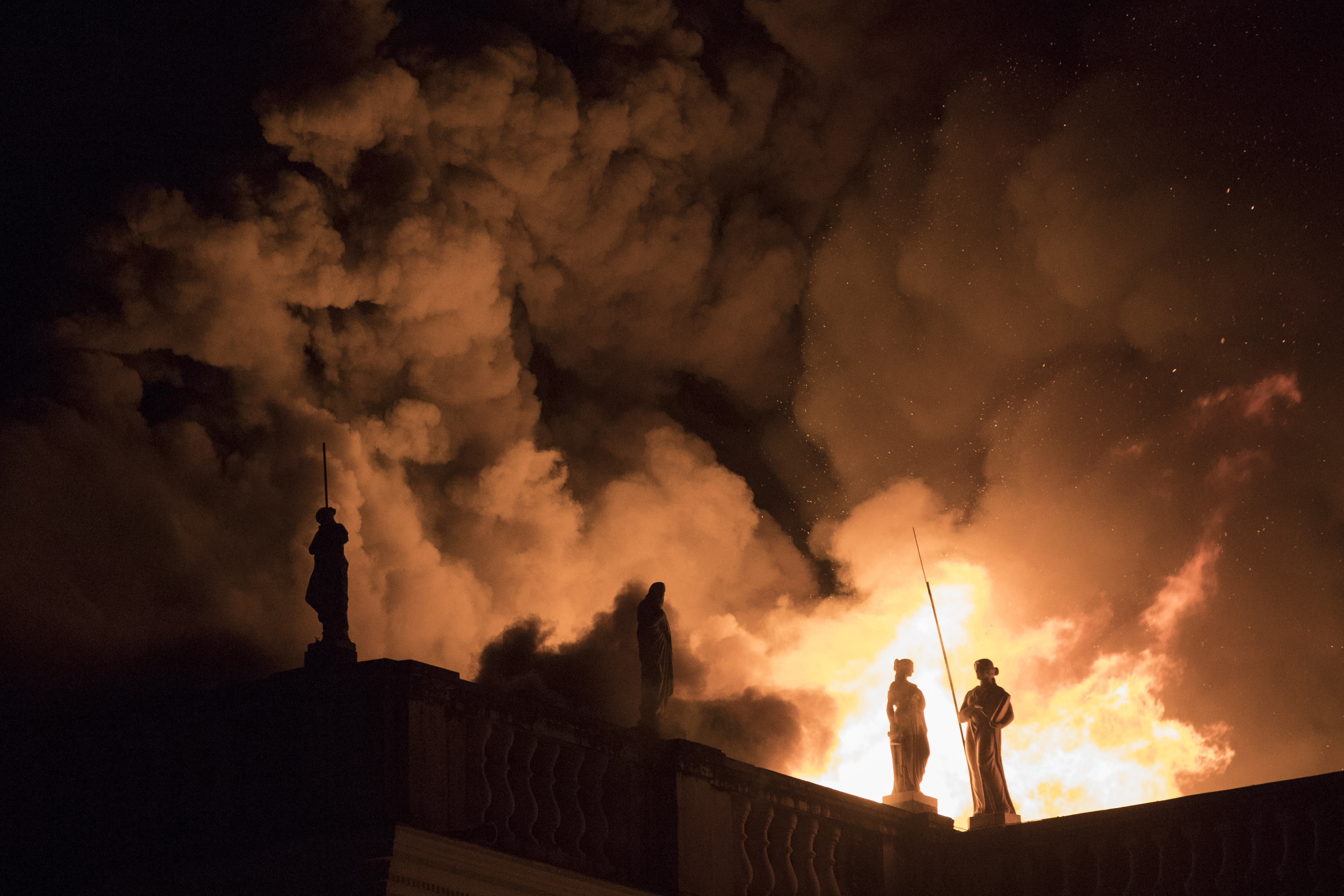 <p> Flames engulf the 200-year-old National Museum of Brazil, in Rio de Janeiro, Sunday, Sept. 2, 2018. According to its website, the museum has thousands of items related to the history of Brazil and other countries. The museum is part of the Federal University of Rio de Janeiro. (AP Photo/Leo Correa) </p>