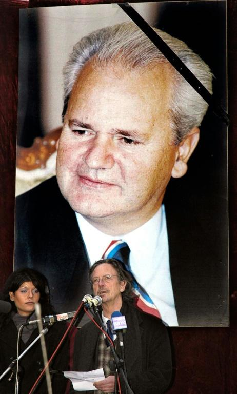 Handke addressing a rally before the funeral of Serbian strongman Slobodan Milosevic in 2006 (AFP Photo/STR)