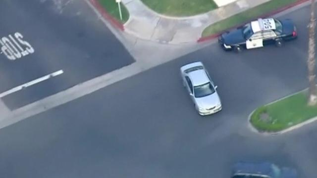High speed chase of stolen car through Southern California