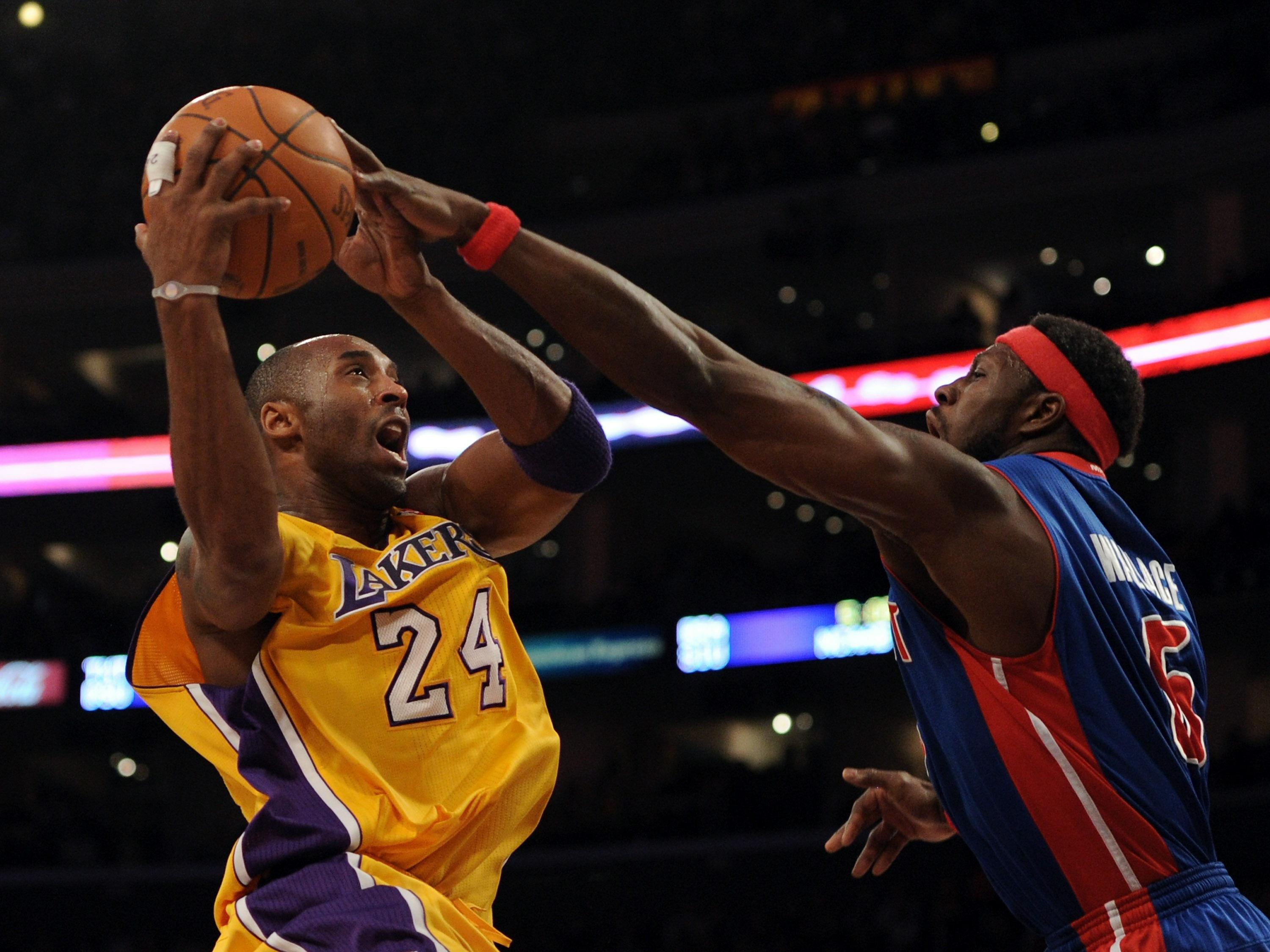 Dunk History Kobe Bryant hits the jackpot on Ben Wallace in Las Vegas