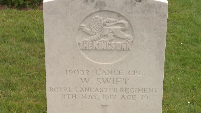 104 ans après sa mort, ils retrouvent la famille d'un soldat grâce à des lettres cachées sous un vieux plancher