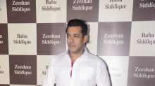 Baba Siddique's Iftaar party missed Salman Khan-Shah Rukh Khan under one roof