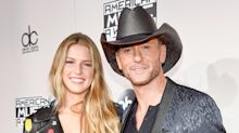Father-Daughter Date! Tim McGraw Brings His Daughter Maggie to the AMAs