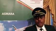 Flags, flowers greet first Ethiopia-Eritrea flight in 20 years