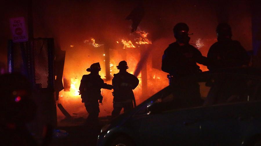 4 St. Louis officers shot during violent protests