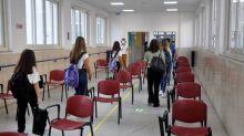 """Immunologo Minelli: """"Medico e infermiere in ogni scuola"""""""