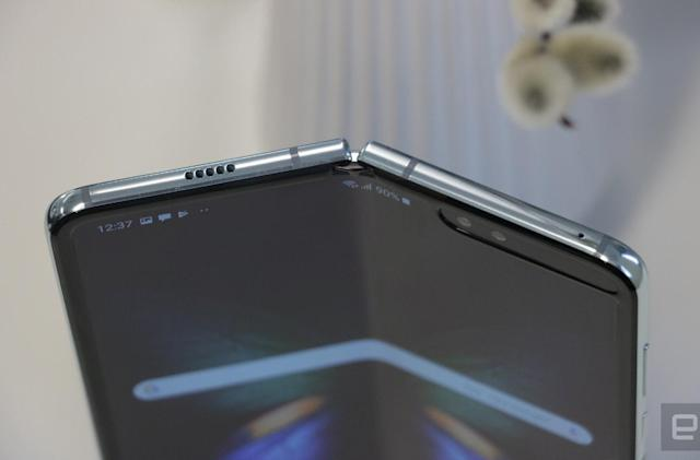 Watch Samsung's Galaxy Fold fall woefully short of 200,000 folds