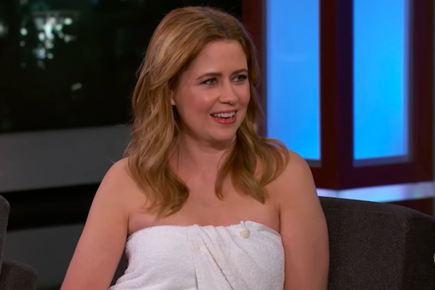 A very relatable Jenna Fischer did a late-night interview