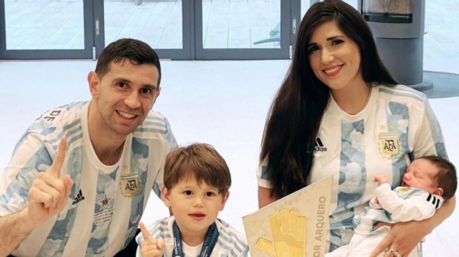 Dibu Martínez reveló cómo fue la llegada de Ava, su segunda hija, mientras disputaba la Copa América