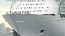Abuelastro de niña que murió al caer desde un crucero se declara culpable