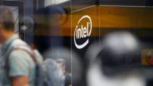 Intel recorta previsiones para el año; acciones caen
