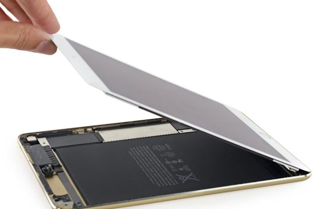 A peek inside the new iPad Mini 4 reveals how it got so thin
