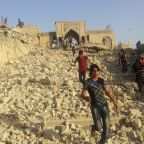 Iraqis close in on ISIS in Mosul; historic mosque falls