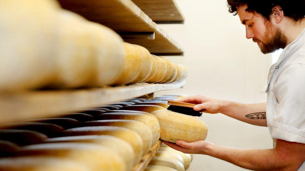 UK food and drink exports to the EU 'almost halve' in first quarter