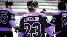 Flyers' Lindblom Earns Masterton Trophy After Battle With Cancer