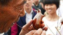 Street Vendors Create Beautiful Candy Animals