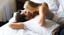 Las mentiras del peligroso sticker sexual que pretende sustituir al condón