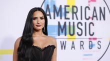 Demi Lovato diz que se conectou com aliens após terminar relacionamento