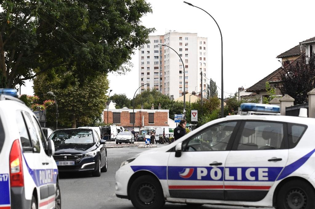 French Police officers intervene at the site where they discovered explosives and bomb components in an apartment, in Villejuif, a suburb of Paris, on September 6, 2017
