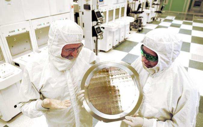 You won't buy IBM's 7nm chip, but it's a big deal for computing
