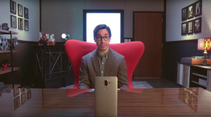 El famoso actor de 'I'm a Mac' se pasa al bando de Huawei