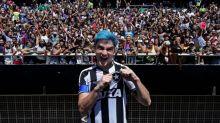 Felipe Neto e Adnet fazem 'proposta' para Messi jogar no Botafogo: '35 mil e um apartamento alugado'