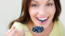 Dunkle Wahrheit: Diese Lebensmittel verfärben die Zähne