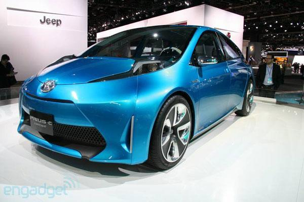 Toyota Prius C undergoes name change, comes out feeling 'Aqua' blue