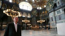 Primeira oração muçulmana na Santa Sofia, convertida em mesquita na Turquia