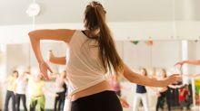 Leer, ir a conciertos o bailar: así mejoran tu salud estas actividades