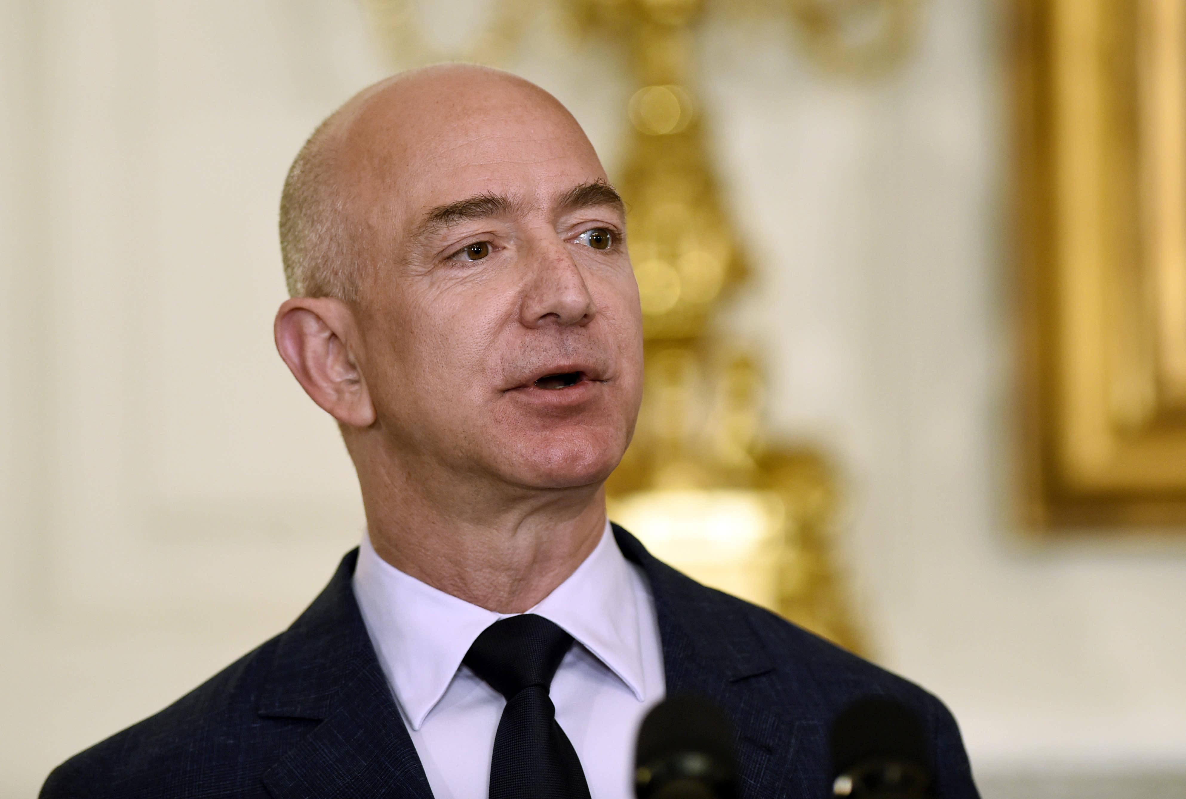 Amazon's Jeff Bezos to start $2 billion charitable fund