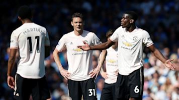 Neville slams 'Japanese knotweed' at Man Utd