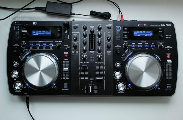 Pioneer XDJ-Aero review: a DJ controller that loves music, hates physical formats