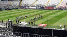Colo Colo y Wanderers protagonizaron un emotivo minuto de silencio por las víctimas del Covid-19