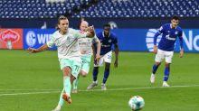 Füllkrug hält Wort - Schalke-Fan muss blechen