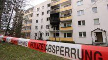 Ein Toter und 15 Verletzte nach Explosion in Wohnblock