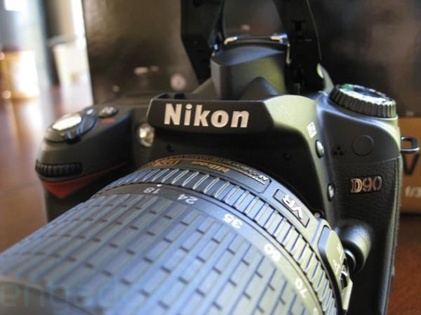Nikon D90 unboxing and hands-on
